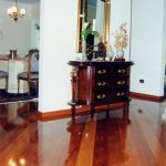 Como combinar rodapé e piso de madeira?